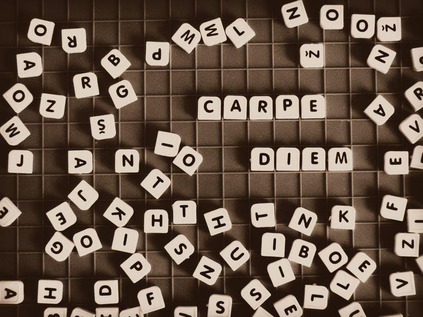 bermain teka teki silang kata amat menghiburkan dan juga masa yang terluang diisi dengan melakukan perkara yang berfaedah sama juga dengan bermain game