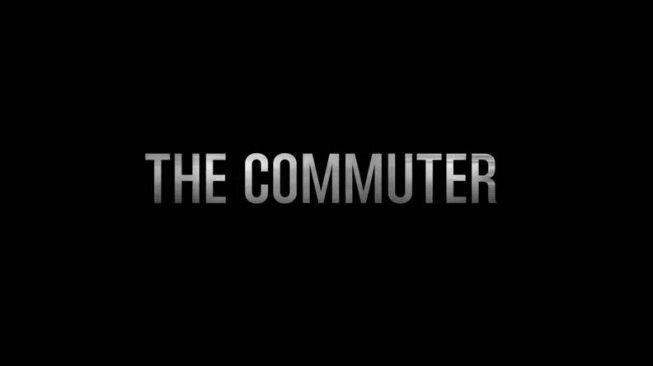 the commuter teka teki mendebarkan di dalam gerbong krl