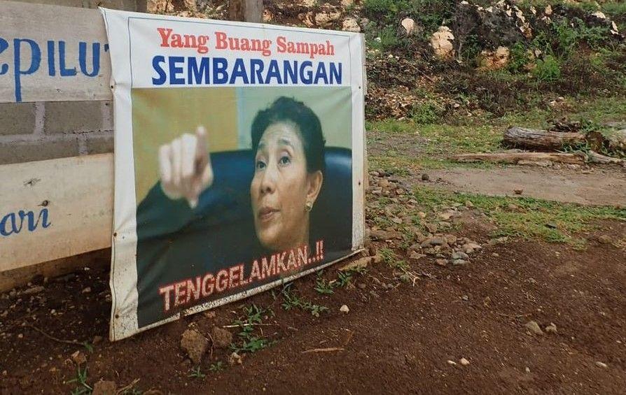 hal ini lantaran dirinya memposting poster bergambar dirinya di depan sebuah toilet di pacitan bertuliskan larangan membuang sampah