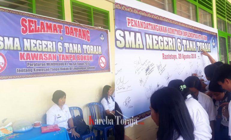 Poster Merokok Bernilai Sman Rantetayo Jadi Sekolah Percontohan Kawasan Tanpa Rokok Kareba